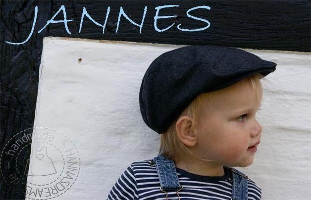 """Im Vintage Look auf den Karnevalsumzug! Und auch für den Rest des Jahres ist die """"Jannes"""" Schiebermütze ein cooles Accessoire!  Für """"freche"""" Jungs genau das Richtige!  Größe/Maße/Gewicht a:..."""