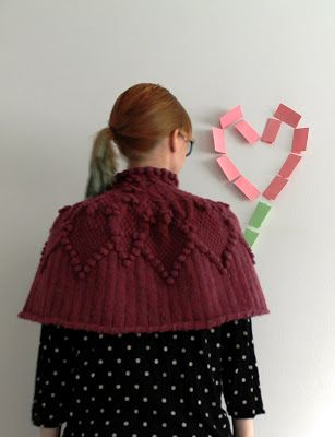 MMMay day 25, knitted cape