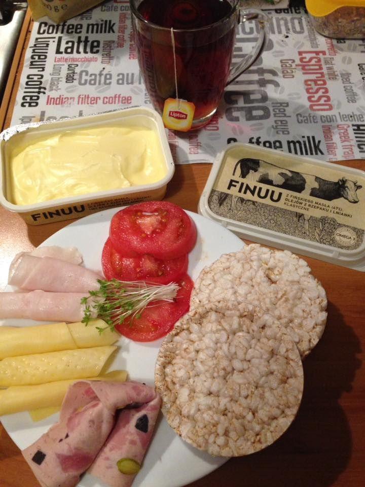 Lekka alternatywa dla kanapek? Wafle ryżowe posmarowane miksem FINUU, z ulubionymi dodatkami. #finuu #finuupl #kanapki #sniadanie #warzywa #breakfast #sandwich #inspiracje #testowanie #kanapka #chleb #pieczywo