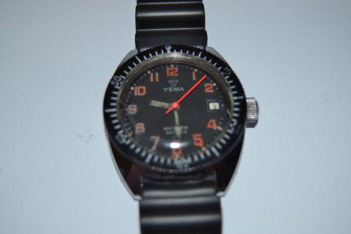 Yema 'Sous Marine' - herenhorloge - 1961.  Yema 'Sous Marine' - duiker horloge.Automaat geval in staal en chroom.Diameter: 36 cm.Bandje: ND Limits - 24 cm.Reeks nr.1 52 012.Het horloge werkt perfect. Kras om 9 uur.Geregistreerde verzendkosten met tracking.  EUR 30.00  Meer informatie