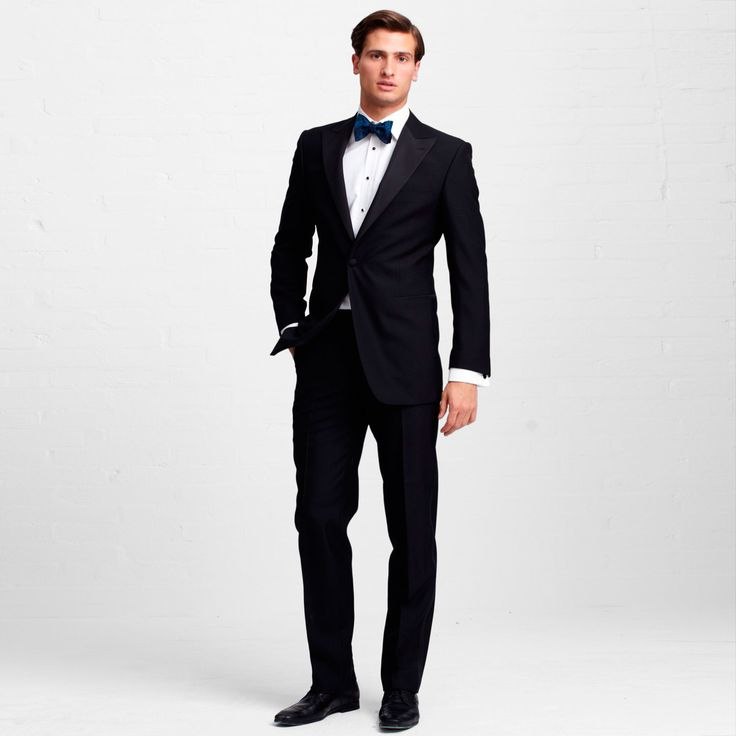 The elegant Dickens Suit is crafted from superfine 100s wool.  Thomas Pinks signature attention to detail characterises the Dickens. #EveningWear #Suits #Party