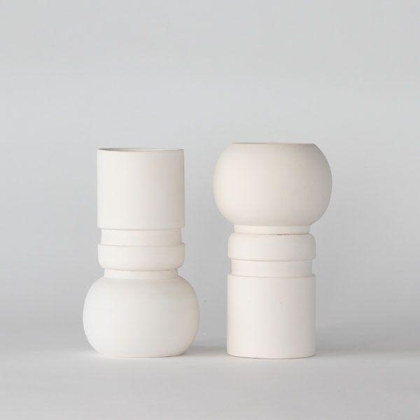 White matte ceramic vase+pot. High quality handmade ceramics Designed+Made by Decovery | Essential Details.