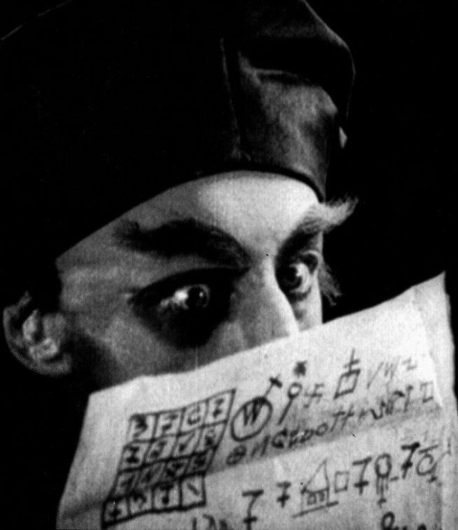 Max Schreck in Nosferatu, A Symphony of Horror(1922, dir. F.W. Murnau)
