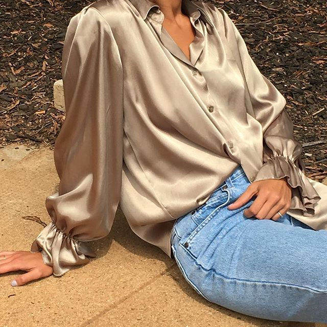 Vintage beautiful gold blouse with ruffled sleeve relaxed oversized drape on s/m frame size fits most $42 + shipping SOLD