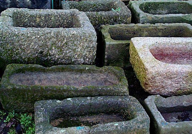 Lavatoio in pietra antico lavabi da cucina in pietra pinterest fontane da giardino - Lavatoio in pietra da esterno ...