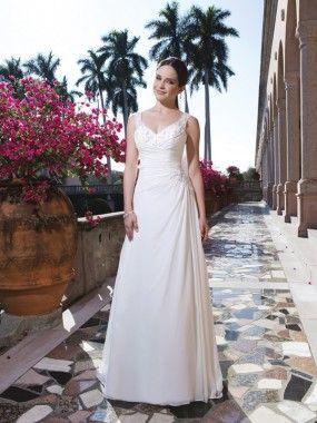 A-Line/Princess V-neck Applique Chiffon Sweep/Brush Train Wedding Dresses