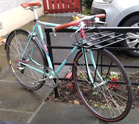 a porteur bikes tale