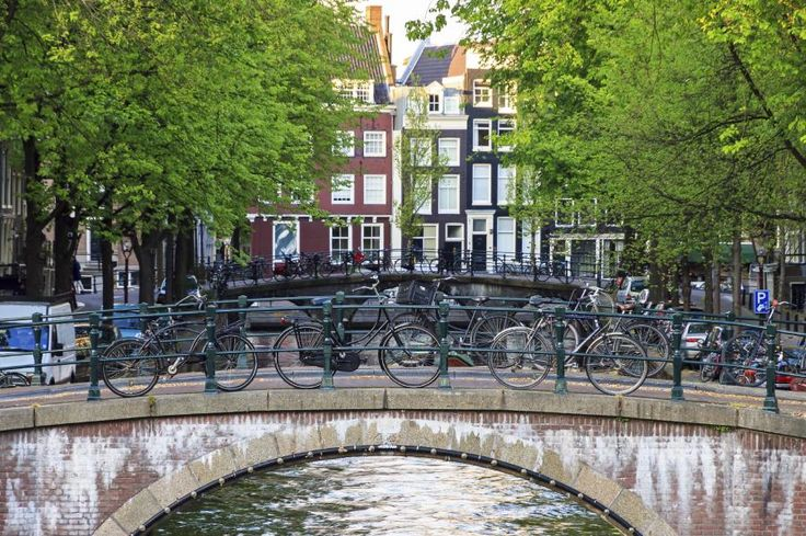 Explore Amsterdam from the saddle of a bike and experience the Canal Belt just like a local. This 3-hour private tour is adapted to suit your pace and level of experience. See sights such as Dam Square, the Heineken Brewery, Vondelpark and more with Tourboks.