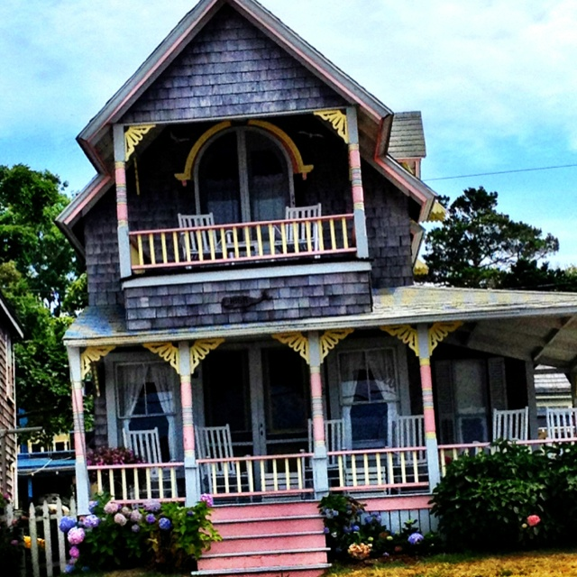 17 best images about martha 39 s vineyard on pinterest for Martha s vineyard gingerbread cottages