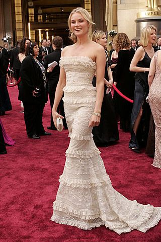 Diane Kruger – 2006 Oscar Dress by Elie Saab. (78th Academy Awards )