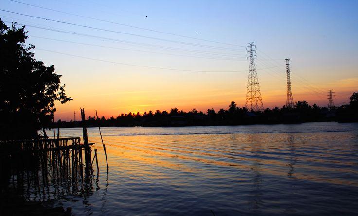 pulang magang nyempetin lihat sunset...