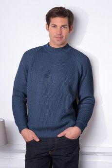 Le pull homme col cheminée bleu jeans en maille anglaise. Laine Cashwool®. Maille de fabrication française.