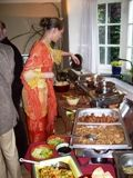 Geschiedenis van de Indische rijsttafel.  Van generatie op generatie is de Indische rijsttafel als een koloniale erfenis doorgegeven. De Indische eetcultuur en de rijsttafel is een product van het kolonialisme.   Eigenlijk praten Indische mensen zelf bijna nooit over de rijsttafel. Dat is eigenlijk heel logisch want dat is hun eten niet. Misschien klinkt dat vreemd maar ......