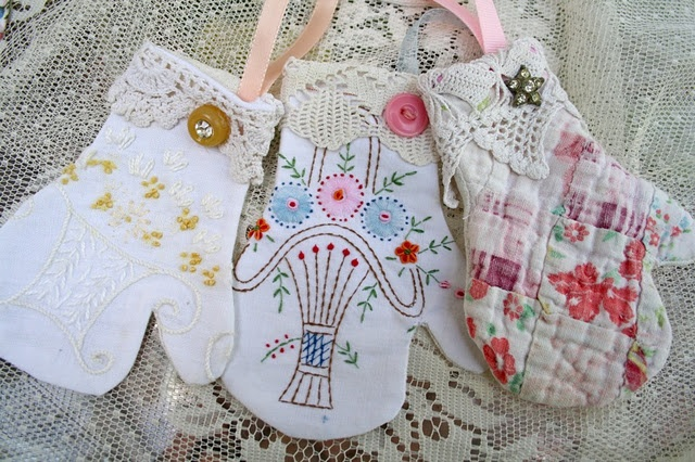 making mitten christmas ornaments from vintage quilts, dishtowels, etc.