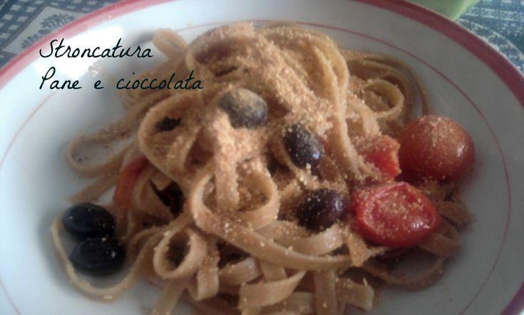 Se vi capita di venire in Calabria non potete fare a meno di mangiare la stroncatura, una pasta che si trova soltanto in provincia di Reggio Calabria.