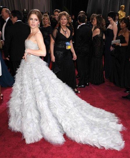 Amy Adams in abito Oscar De La Renta sul tappeto rosso degli Oscar 2013