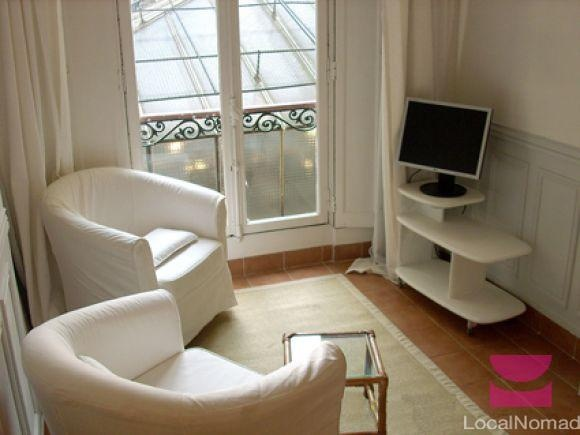 Paris - apt for rent
