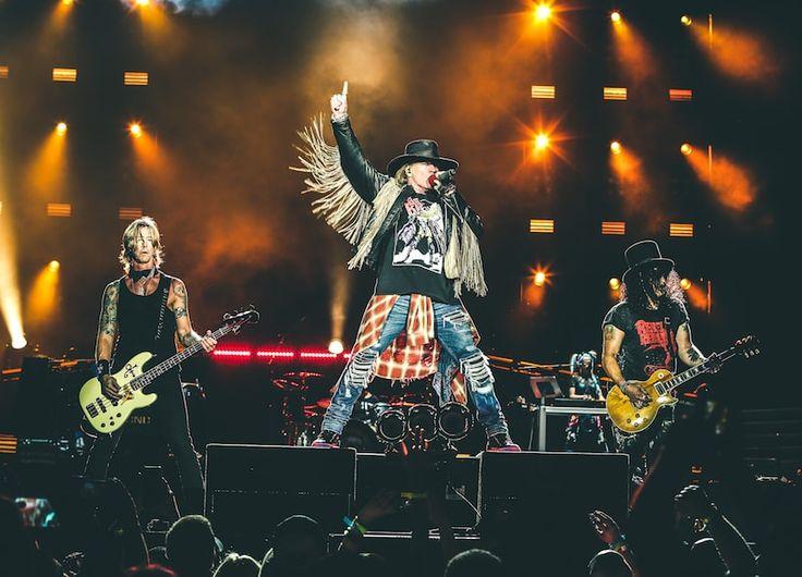 Guns N' Roses вернулись в Сент-Луис после 26-летнего перерыва - http://rockcult.ru/news/guns-n-roses-returned-to-saint-louis/