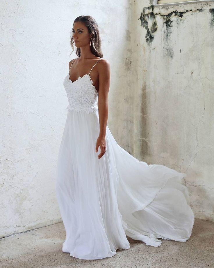 Boho Beach Wedding Dresses Sexy Summer Spaghetti Straps Open Backs Lace White Gown