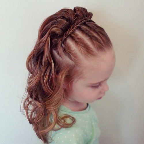 mignon peu filles coiffure tressée
