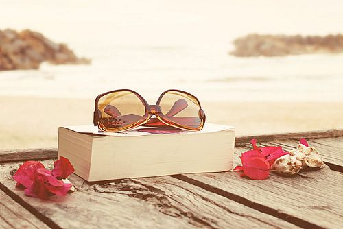 The perfect afternoonNovember, Summer Day, Vintage Wardrobe, Book, At The Beach, Places, Sunglasses, Summer Photography, Vintage Love