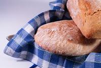 Vita Frugale: L'antica arte del pane fatto in casa