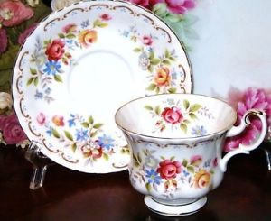 ROYAL ALBERT English Bone China Tea Cup and Saucer JUBILEE ROSE Gold Teacup