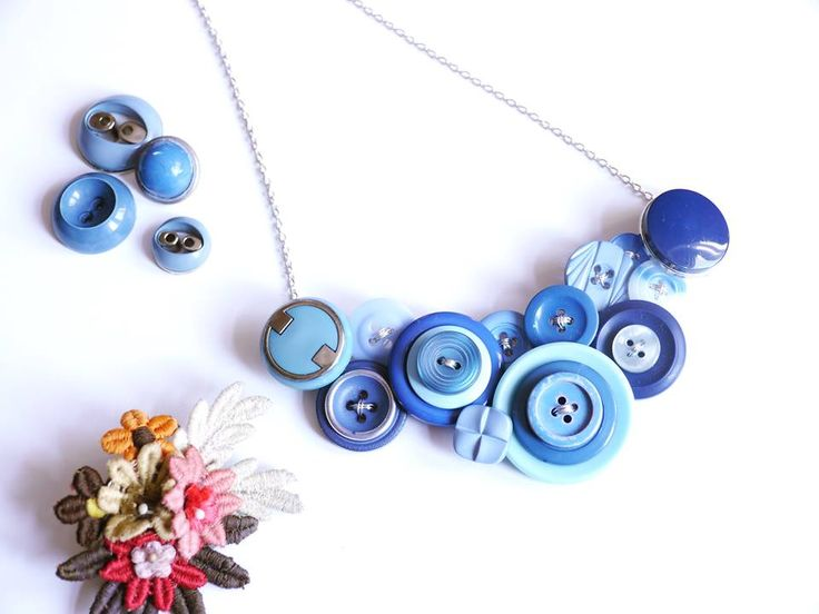Vintage button necklace #buttonjewellry #button