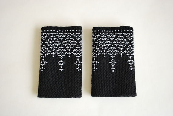 Beaded woolen wrist warmers ready to ship by Aidaaaa on Etsy, $35.00