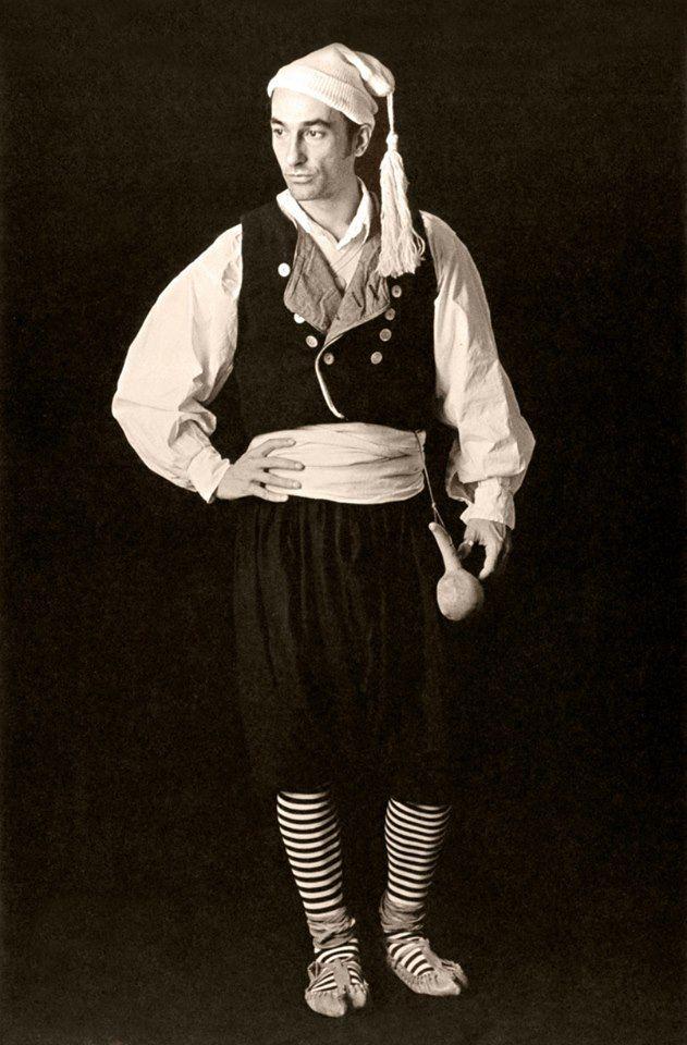 Τraditional costume from Kefalonia island,Greece./ Παραδοσιακή ανδρική φορεσια απο την Κεφαλονιά