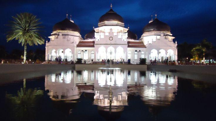 Baiturrahman Mosque www.acehtravelguide.com