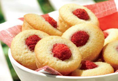 Mini-gâteaux aux amandes et aux framboises