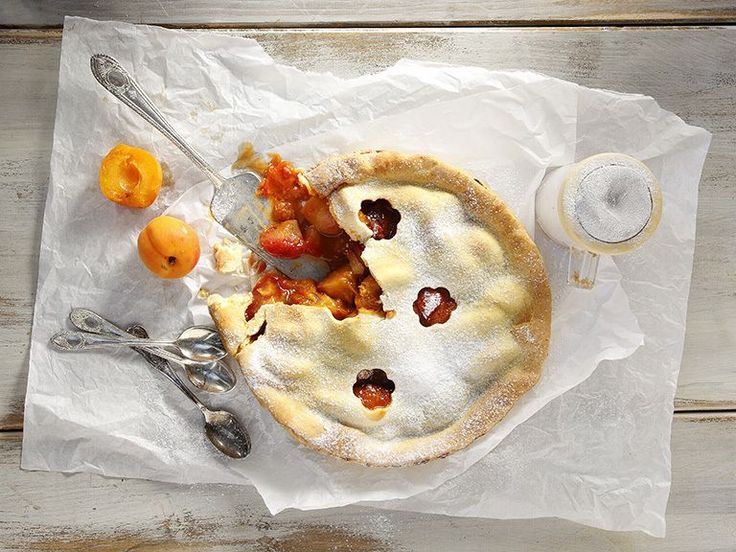 Peach and apricot pie