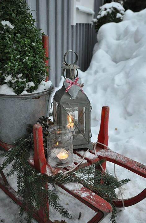 winter.quenalbertini: Outside Christmas Decor | Open spaces and Cozy places