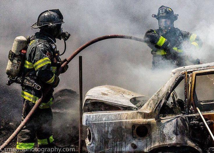 FEATURED POST  @csmeadphotography - .  ___Want to be featured? _____ Use #chiefmiller in your post ... http://ift.tt/2aftxS9 . CHECK OUT! Facebook- chiefmiller1 Periscope -chief_miller Tumblr- chief-miller Twitter - chief_miller YouTube- chief miller . . .  #firetruck #firedepartment #fireman #firefighters #ems #kcco  #brotherhood #firefighting #paramedic #firehouse #rescue #firedept  #workingfire #feuerwehr  #brandweer #pompier #medic #retten #firefighter #bomberos #Feuerwehrmann  #IAFF…