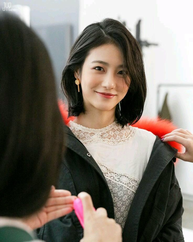 Shin Ye Eun Asian Short Hair Medium Hair Styles Korean Short Hair
