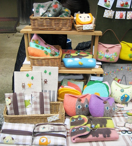 lovely felt chionji handmade market by feltcafe via flickr craft marketsflea marketsbooth ideasdisplay ideashandmade