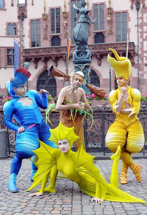 """Cirque du Soleil """"Varekai"""" - Green Dragon-esque costume would be an awesome base to expand upon..."""