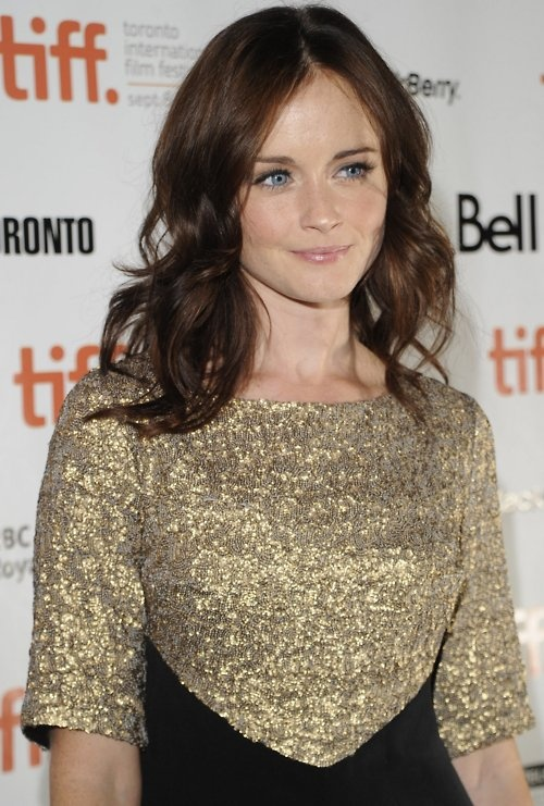 Alexis Bledel: Brown Hair Blue Eye, Hair Colors, Haircolor, Alexis Bledel, Caramel Hair Color, Chocolates Brown Hair, Blue Eyes, Pale Skin, Hair Colour