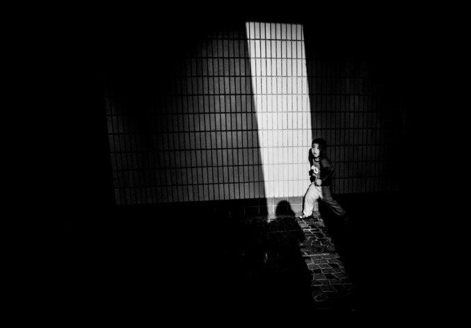 27-year-old Xyza Cruz Bacani she has been working as a domestic worker in Hong Kong. . She earned a slot as a Human Rights Fellow at New York University's prestigious Magnum Foundation for her takes breathtaking street photography. Filipino-Domestic-Worker-Photography-11