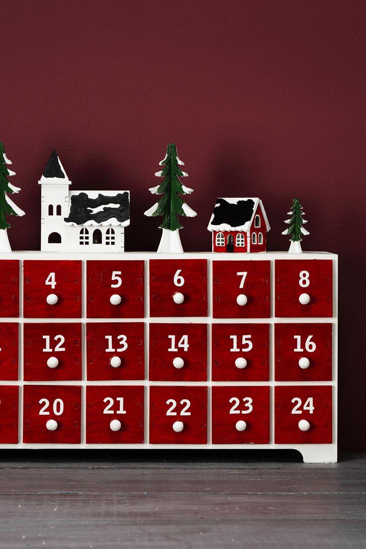 DIY calendar for christmas www.panduro.com Christmas Decor by Panduro #christmas #decoration #DIY #ornaments #christmascalendar #advent  #julkalender #kalender #paketkalender #adventkalender #adventskalender #jul #countdown #kalenderpåsar #Scandinavian