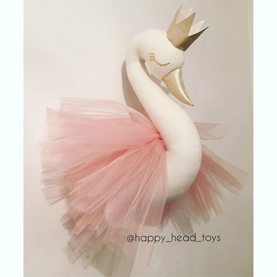 Swan princess, wall mounted swan head, wall mounted swan bust. His wings are made from tulle and he wears Crown Made entirely by hand. Not intended as a toy , please hang out of reach of small children. Materials: ivory color wool, tulle, beards. Dimensions: Size XL - 55*50 centimeters Size M - 35*35 centimeters You can choose any other color of the swan, crown, tulle or beak. Please ask me any questions.  Processing time is 2-3 weeks+ Delivery time worldwide approximately 10-30 days.