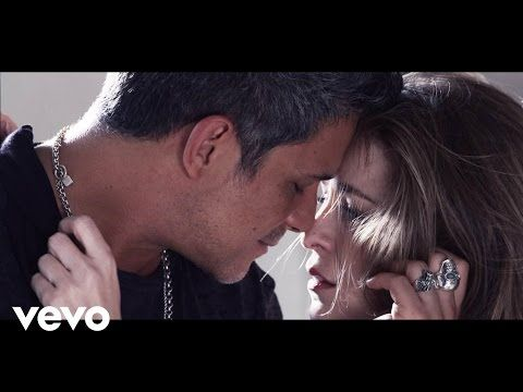 Alejandro Sanz - A Que No Me Dejas - YouTube