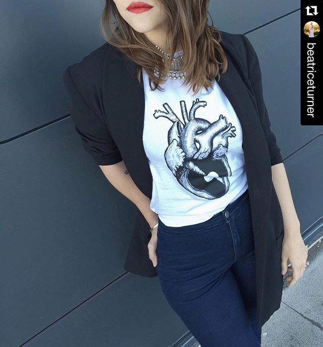 #Repost @beatriceturner with @repostapp. ・・・ Yey!!! The first t-shirt from our collaboration project with artists and illustrators is out! You can find this one by @samaraseganfredo in store now, link in bio - online sales coming soon... #keepvinylalive