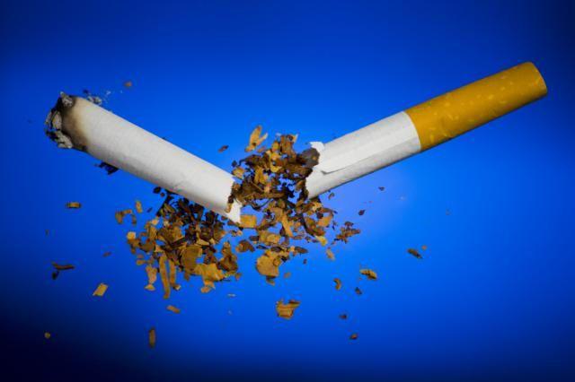 10 tips para dejar de fumar sin engordar: Muchas personas dejan el tabaco y no engordan.