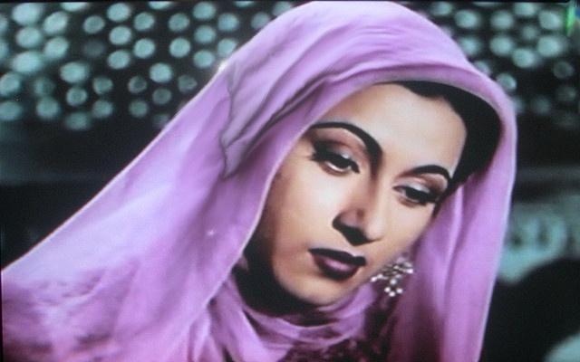 Madhubala in Purple, Mughal-e-Azam by Vijay Rana, via Flickr  #OPIEuroCentrale #YoureSuchABudaPest