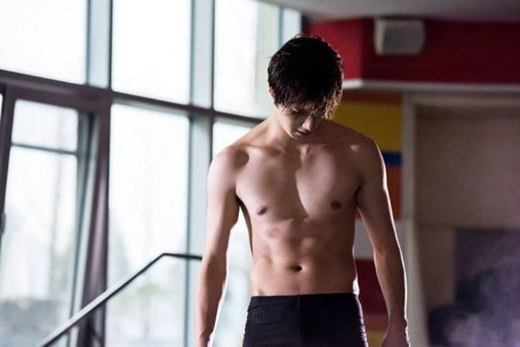 Jung Il Woo takes off his top for 'Cinderella and Four Knights' http://www.allkpop.com/article/2016/08/jung-il-woo-takes-off-his-top-for-cinderella-and-four-knights #jungilwoo