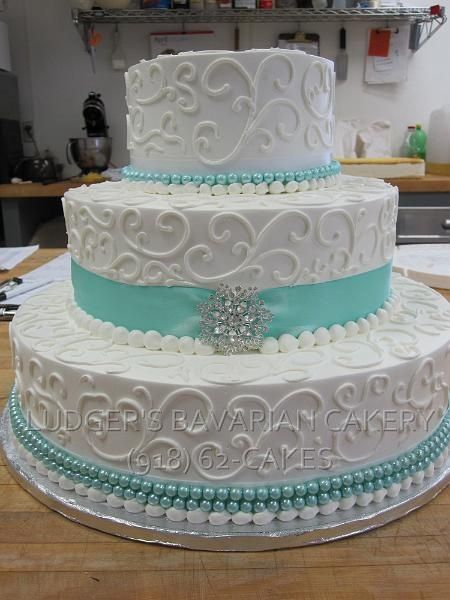 turquoise and white wedding cake with diamonds teal wedding cake ideas 21301
