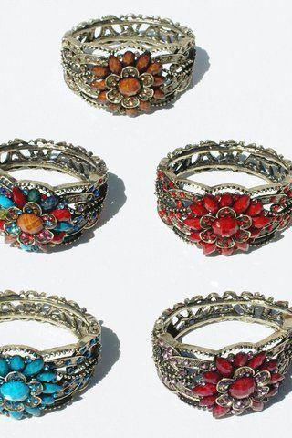 Lot 5 velké krystaly, květinové náramky, kovové šperky, ručně vyráběné šperky velkoobchod - 641.28 Kč - Ceske Nabidky