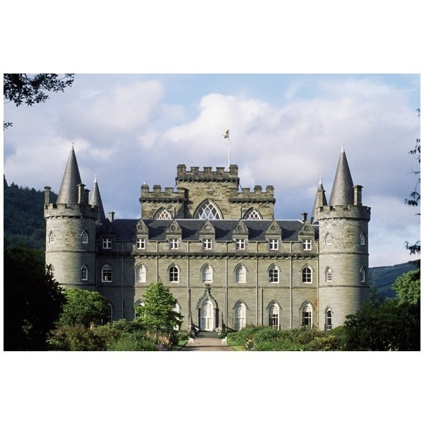 English manor house swapped for Scottish castle in Downton Abbey... ❤ liked on Polyvore